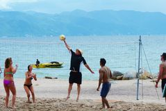απομονωμένο λευκό πετοσφαίρισης ανασκόπησης παραλία Στοκ φωτογραφίες με δικαίωμα ελεύθερης χρήσης