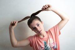 απομονωμένο λευκό πλεξίδων ανασκόπησης κορίτσι Στοκ φωτογραφία με δικαίωμα ελεύθερης χρήσης