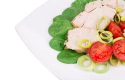 απομονωμένο λευκό σαλάτας ρυζιού κομματιών ροδάκινων μαϊντανού κύπελλων ανασκόπησης κοτόπουλο Στοκ εικόνες με δικαίωμα ελεύθερης χρήσης