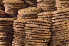 απομονωμένο λευκό στοιβών ανασκόπησης μπισκότα Στοκ εικόνες με δικαίωμα ελεύθερης χρήσης