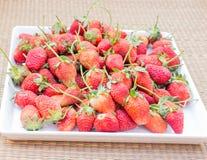 απομονωμένο λευκό φραουλών ανασκόπησης καρπός Στοκ φωτογραφίες με δικαίωμα ελεύθερης χρήσης