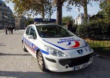 απομονωμένο λευκό ύφους αστυνομίας αυτοκινήτων cartoonish εικόνα Στοκ εικόνα με δικαίωμα ελεύθερης χρήσης