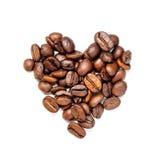 απομονωμένο καρδιά αντικείμενο καφέ φασολιών Στοκ Φωτογραφίες