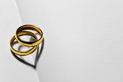 απομονωμένο καρδιά λευκό ντοματών μορφής Στοκ εικόνα με δικαίωμα ελεύθερης χρήσης