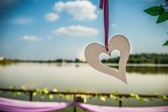 απομονωμένο καρδιά λευκό ντοματών μορφής Στοκ Φωτογραφίες