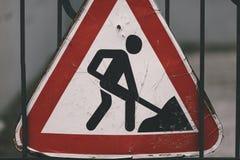 απομονωμένο κατασκευή λευκό οδικών σημαδιών Στοκ Φωτογραφία