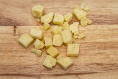 Απομονωμένο κομμάτι του τυριού στοκ εικόνες