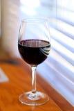 απομονωμένο κρασί waite του OM κόκκινο Στοκ φωτογραφία με δικαίωμα ελεύθερης χρήσης