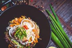 απομονωμένο κύπελλο noodles λευκό Στοκ Εικόνα