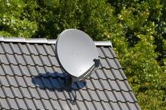 απομονωμένο δορυφορικό απεικόνιση διανυσματικό λευκό πιάτων Στοκ φωτογραφίες με δικαίωμα ελεύθερης χρήσης
