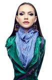 Απομονωμένο πορτρέτο ενός κοριτσιού σε ένα σακάκι δέρματος, πράσινο Στοκ φωτογραφίες με δικαίωμα ελεύθερης χρήσης