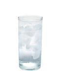 Απομονωμένο ποτήρι του νερού με τον πάγο αντικείμενο, ποτό στοκ εικόνα