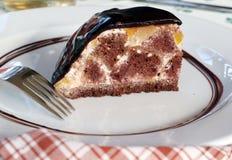 απομονωμένο σοκολάτα φυστίκι πιτών αμυγδαλωτού πορτοκαλί Στοκ Φωτογραφίες