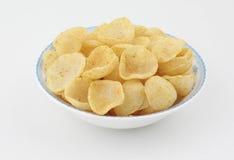 απομονωμένο τσιπ λευκό πατατών Στοκ Φωτογραφίες