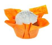 απομονωμένο muffin λευκό Στοκ φωτογραφία με δικαίωμα ελεύθερης χρήσης