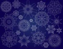 απομονωμένο snowflakes ανασκόπησης Χριστούγεννα λευκό Στοκ Φωτογραφία