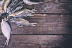Αποξηραμένα ψάρια που δένονται σε ένα σχοινί Στοκ εικόνα με δικαίωμα ελεύθερης χρήσης