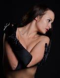 Αποπνικτική ομορφιά που φορά τα γάντια οπερών Στοκ φωτογραφίες με δικαίωμα ελεύθερης χρήσης