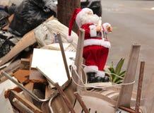 Απορριμμένος Άγιος Βασίλης Στοκ φωτογραφία με δικαίωμα ελεύθερης χρήσης