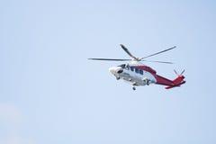 Αποστολή πετάγματος ελικοπτέρων διάσωσης στην έκτακτη ανάγκη στοκ φωτογραφίες