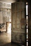 Αποσυντιθειμένος πόρτα Στοκ φωτογραφίες με δικαίωμα ελεύθερης χρήσης