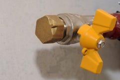 Αποσυνδεμένος νέος σωλήνας αερίου με μια βαλβίδα στοκ εικόνες με δικαίωμα ελεύθερης χρήσης