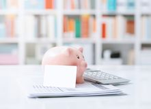 Αποταμίευση, τραπεζικές εργασίες και επενδύσεις Στοκ φωτογραφία με δικαίωμα ελεύθερης χρήσης