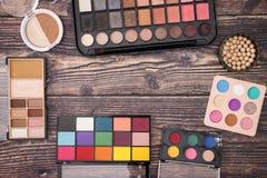 Αποτελέστε τα προϊόντα στις άκρες στον πίνακα στοκ φωτογραφία με δικαίωμα ελεύθερης χρήσης