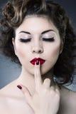 Αποτελέστε την έννοια η μόδα προσώπου ομορφιάς αποτελεί τη γυναίκα στοκ φωτογραφία με δικαίωμα ελεύθερης χρήσης
