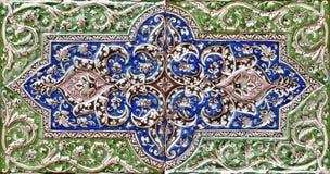 Αποτυπωμένο σε ανάγλυφο ζωηρόχρωμο παλαιό περσικό κεραμίδι Στοκ Εικόνα