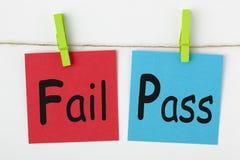 Αποτύχετε ή περάστε την έννοια στοκ φωτογραφία