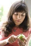 αποφλοίωση μήλων Στοκ Φωτογραφίες