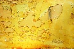 Αποφλοίωση χρωμάτων από έναν αποσυντιθειμένος τοίχο Στοκ Φωτογραφίες