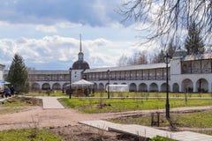 29 Απριλίου 2018, Ρωσία, Tikhvin, μοναστήρι υπόθεσης Tikhvin Bogorodichny Στοκ εικόνες με δικαίωμα ελεύθερης χρήσης