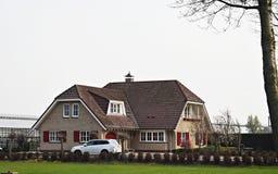 6 Απριλίου 2019, Amstelveen, οι Κάτω Χώρες Όμορφοι σπίτι και κήπος σε Amstelveen, μια στοκ εικόνα με δικαίωμα ελεύθερης χρήσης