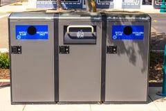 Απόβλητα & ανακύκλωσης δοχεία Στοκ Φωτογραφίες