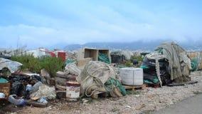 Απόβλητα από την αποβάθρα δίπλα στο δρόμο φιλμ μικρού μήκους