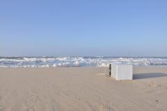 Απόβλητα στην παραλία στοκ εικόνες