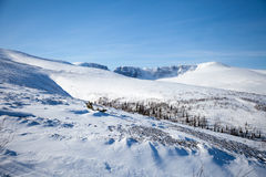 Απόγευμα τοπίων βουνών χιονιού Στοκ Εικόνες