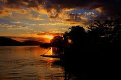 Απόγευμα του χρυσού ήλιου στο ria του Πόρτο DA Glà ³ στοκ εικόνες