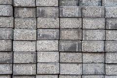 Γκρίζα τετραγωνικά τούβλα τσιμέντου πεζοδρομίων Στοκ Φωτογραφίες