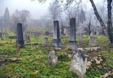 Απόκοσμο παλαιό νεκροταφείο στοκ εικόνα