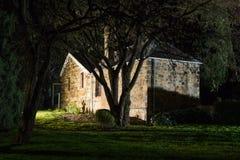 Απόκοσμο συχνασμένο εξοχικό σπίτι Στοκ Φωτογραφίες