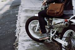 Απόλαυση της ελευθερίας στη μοτοσικλέτα Στοκ φωτογραφία με δικαίωμα ελεύθερης χρήσης