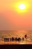 απόλαυση του ηλιοβασι&la Στοκ φωτογραφία με δικαίωμα ελεύθερης χρήσης