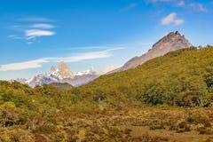 Απόμακρη άποψη βουνών της Fitz Roy, Aisen Χιλή Στοκ Εικόνες