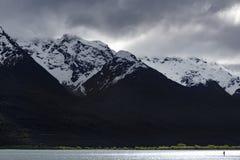Απόμερος αριθμός για την ακτή της λίμνης Wakatipu, Glenorchy, νότιο νησί, Νέα Ζηλανδία στοκ φωτογραφία