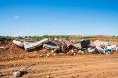 Απόρριψη σκουπιδιών στην αγροτική περιοχή Στοκ Φωτογραφία