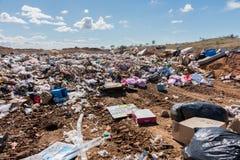 Απόρριψη σκουπιδιών στην αγροτική περιοχή Στοκ Εικόνα
