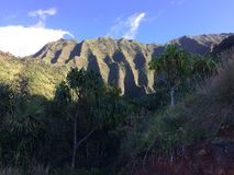 Απότομοι βράχοι ακτών NA Pali Kauai στο νησί, Χαβάη - ίχνος Kalalau Στοκ φωτογραφίες με δικαίωμα ελεύθερης χρήσης